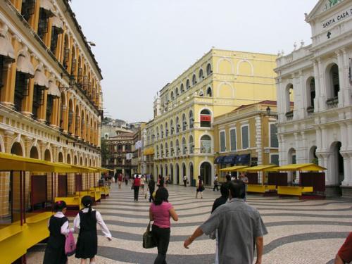 380 - Macau