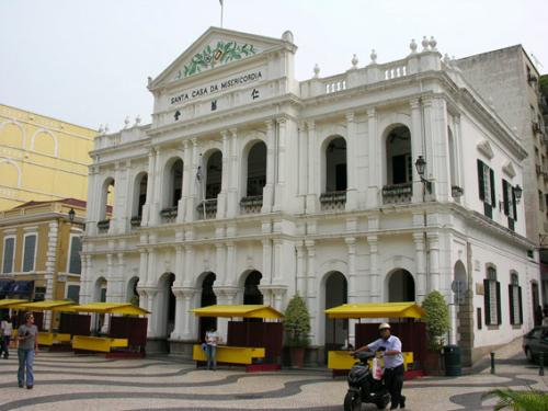 381 - Macau